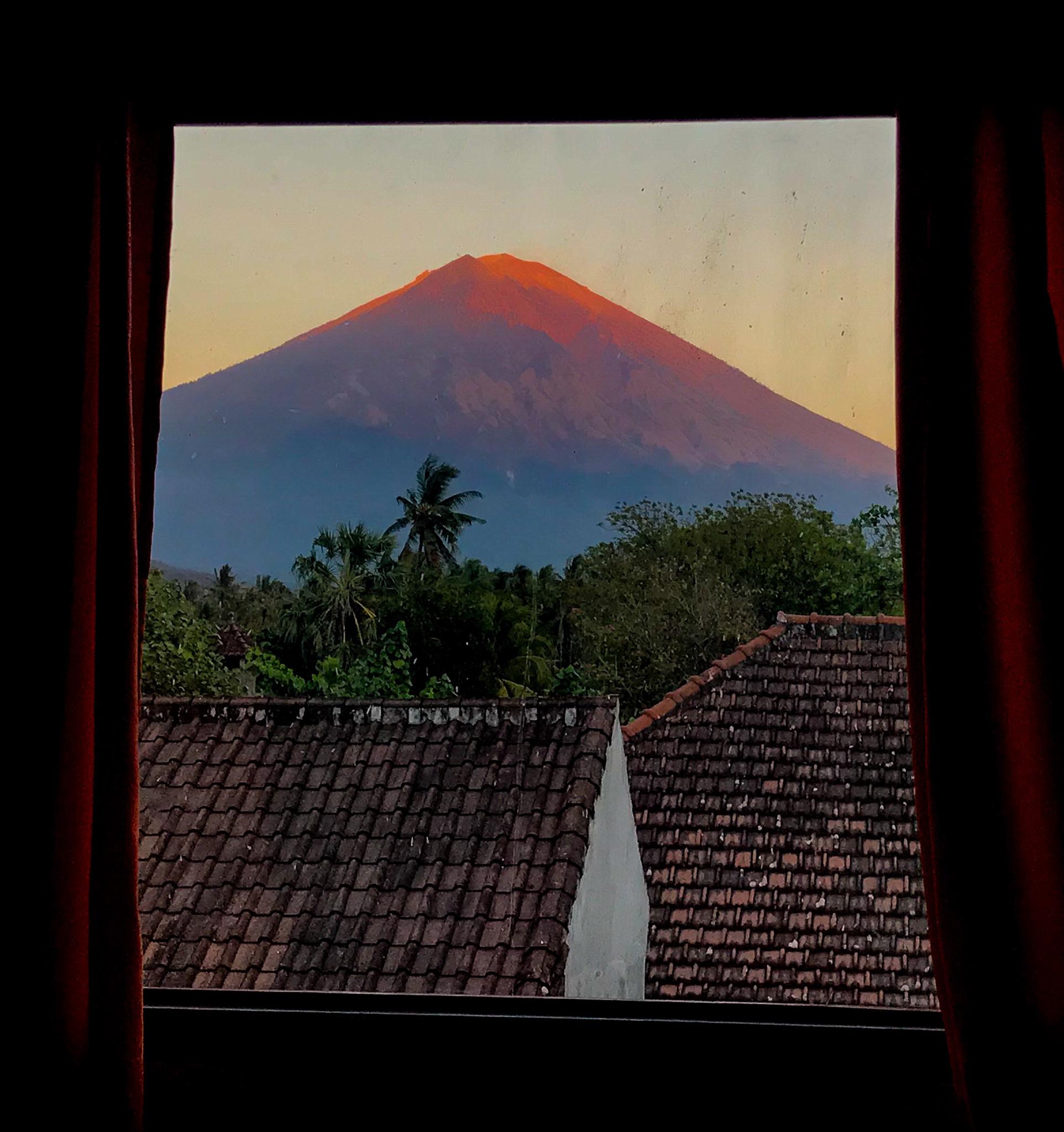 Monte Agung Amed